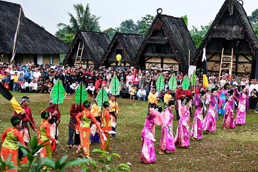 Kampung Budaya Sindangbarang tempat wisata di bogor 2