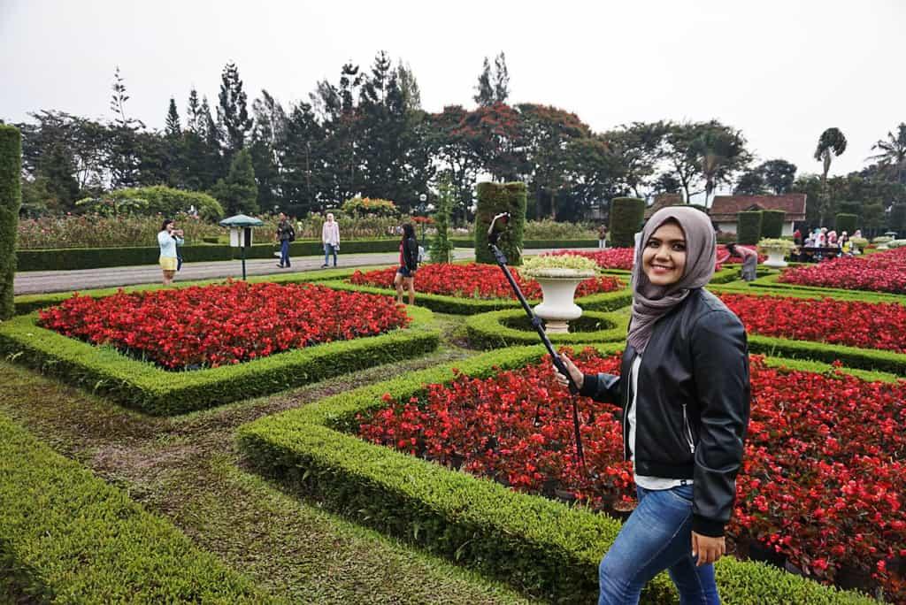 Taman Bunga Nusantara tempat wisata di bogor 2