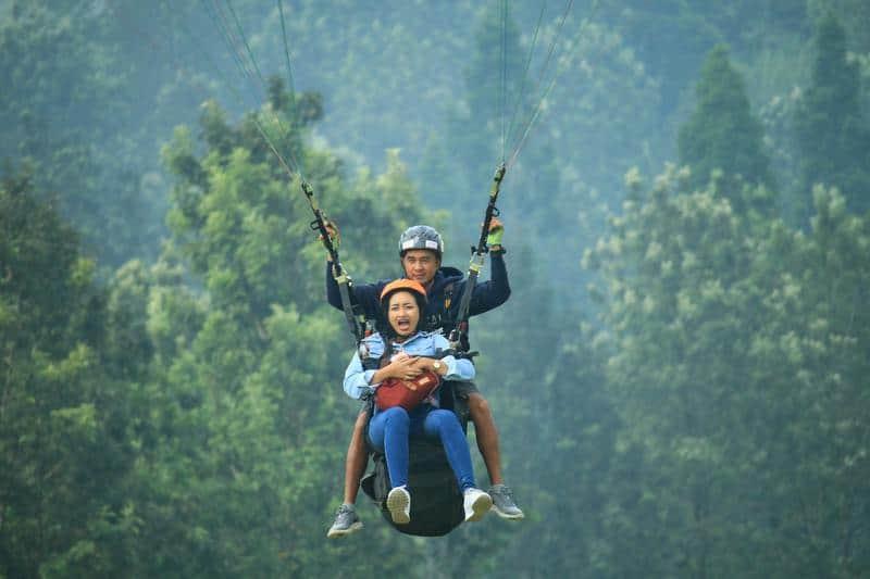 fly indonesia paragliding bogor tempat wisata di bogor