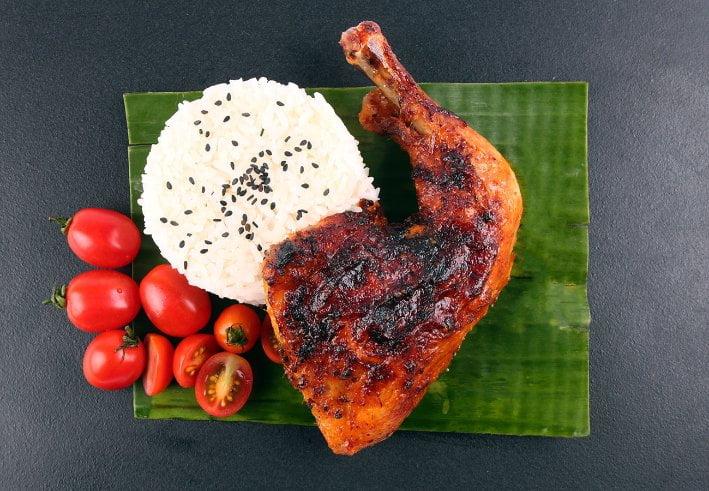 makanan khas filipina chicken inasal