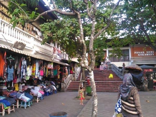 tempat wisata di bali Pasar seni Sukawati