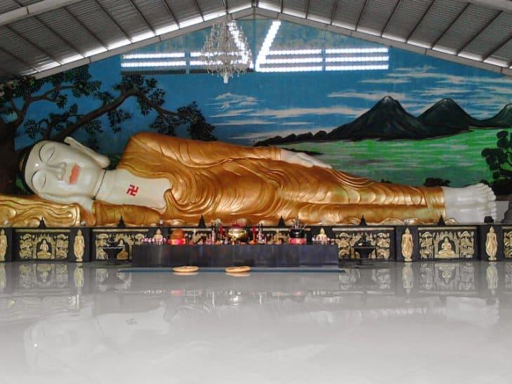 tempat wisata di bogor Patung Budha Tidur