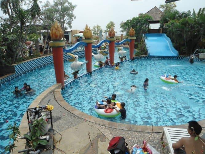 tempat wisata di bogor Waterboom Yasmin Sport Center