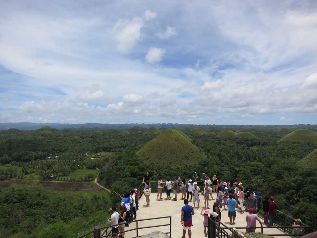 tempat wisata di filipina Chocolate Hills
