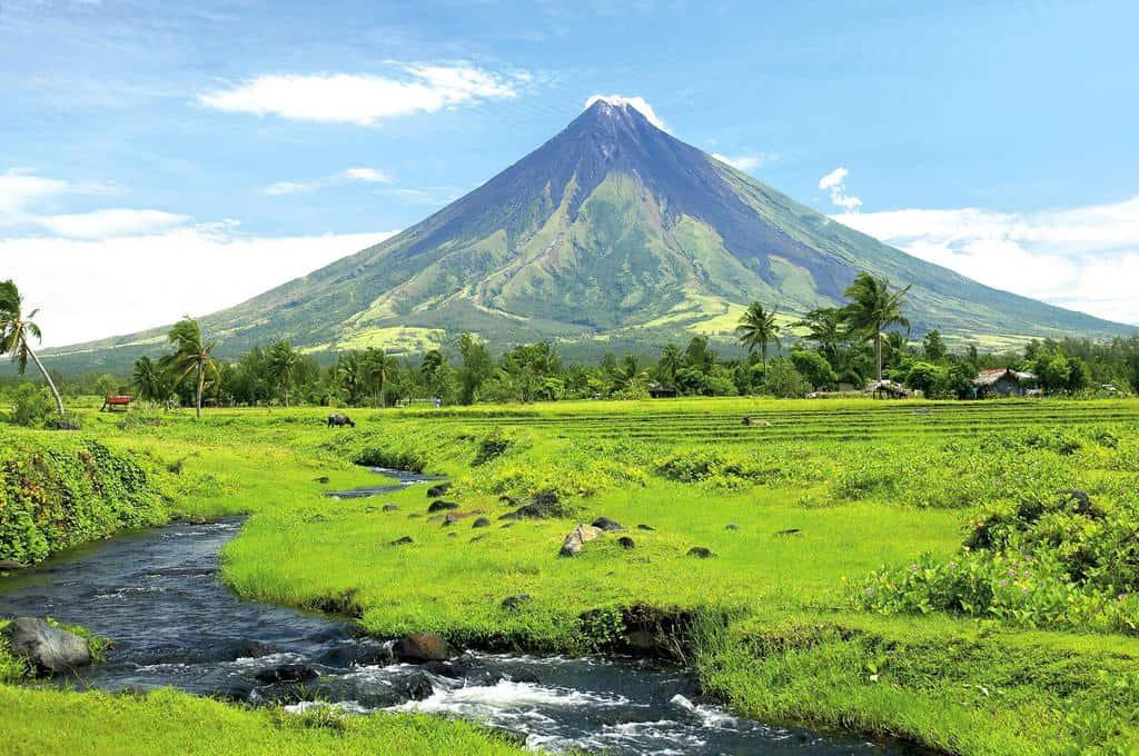 tempat wisata di filipina Mayon Volcano