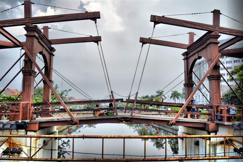 tempat wisata di jakarta Jembatan kota Intan