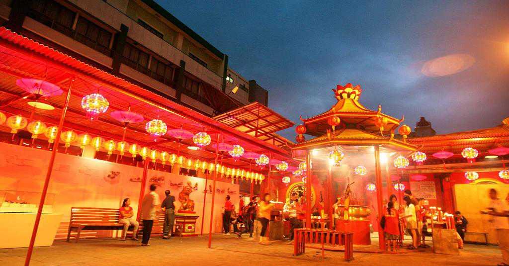 tempat wisata di jakarta Pecinan Glodok Jakarta