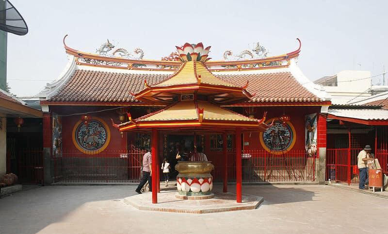 tempat wisata di jakarta klenteng jin de yuan