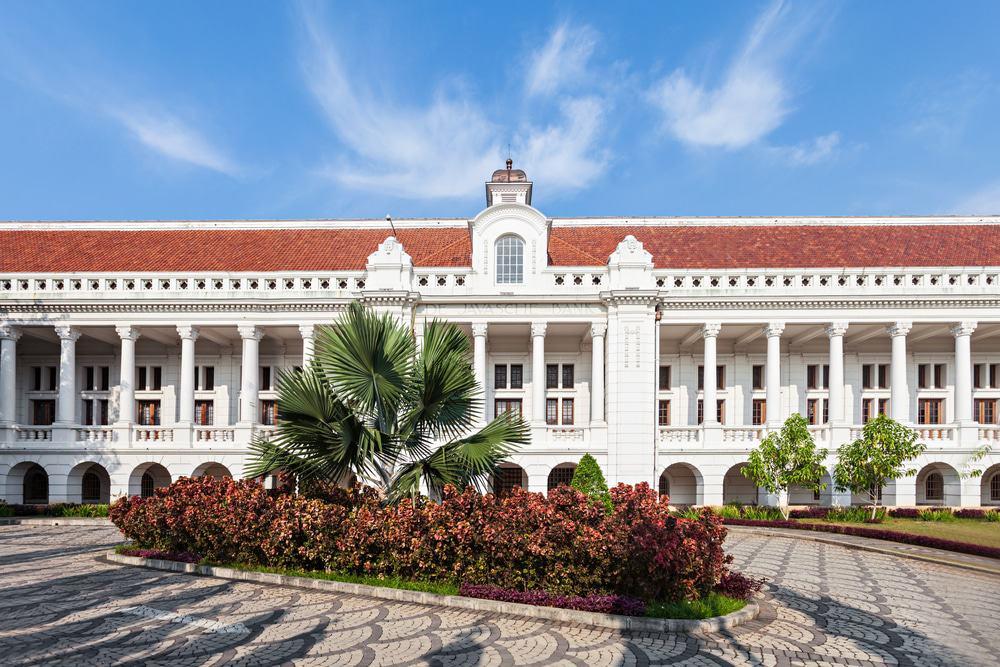 tempat wisata di jakarta museum bank indonesia