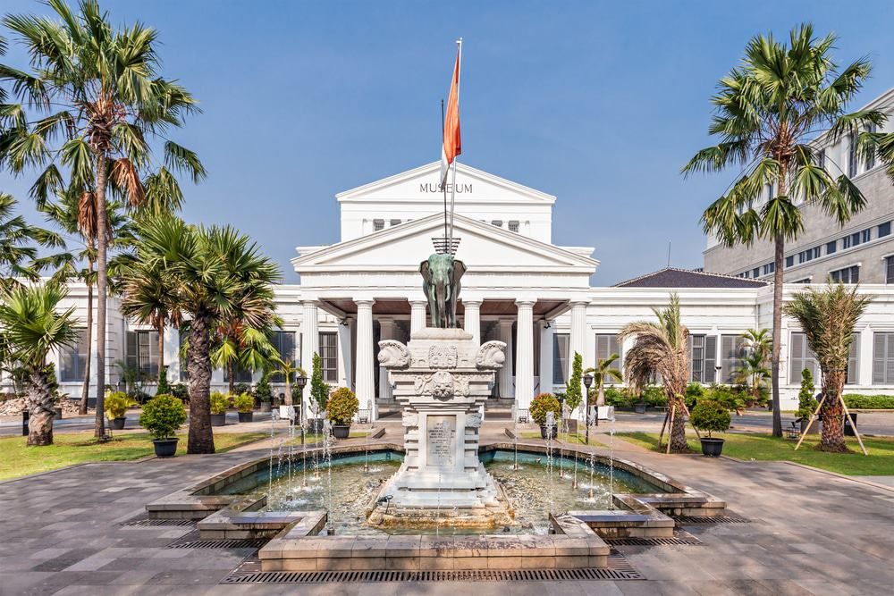 tempat wisata di jakarta museum nasional
