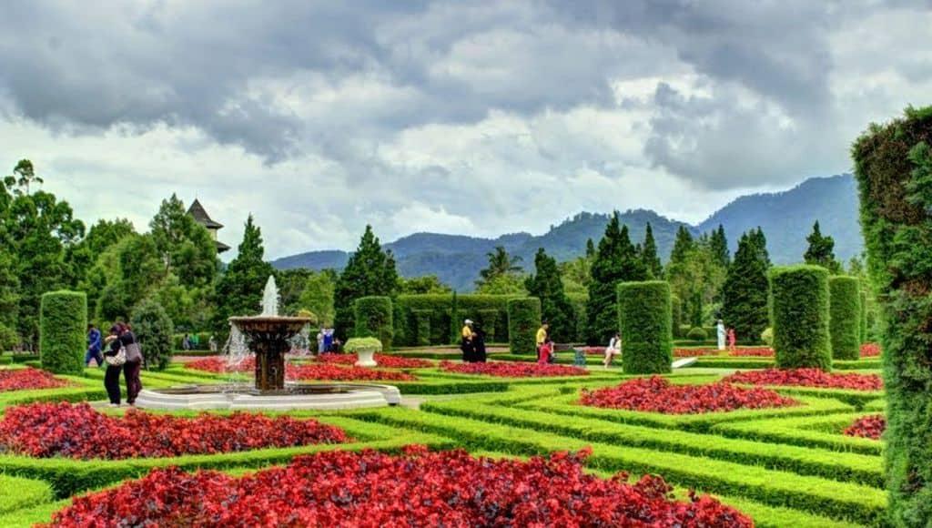 tempat wisata di jakarta taman wiladatika