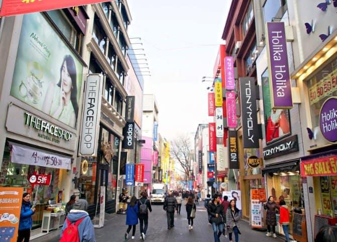 tempat wisata di korea selatan myeongdong 2