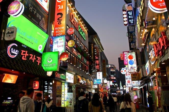tempat wisata di korea selatan myeongdong
