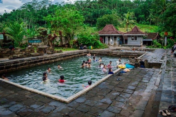 tempat wisata di magelang Pemandian Air Hangat Candi Umbul