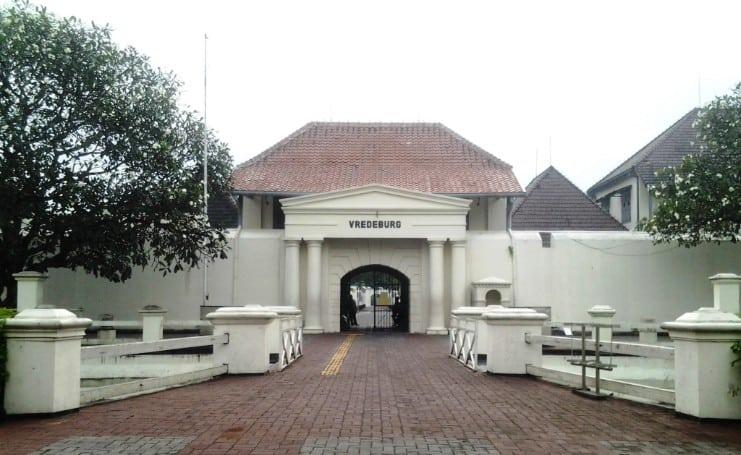 tempat wisata di jogja Benteng Vredeburg