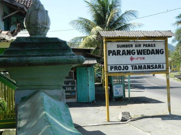 tempat wisata di jogja Pemandian Air Panas Parangwedang