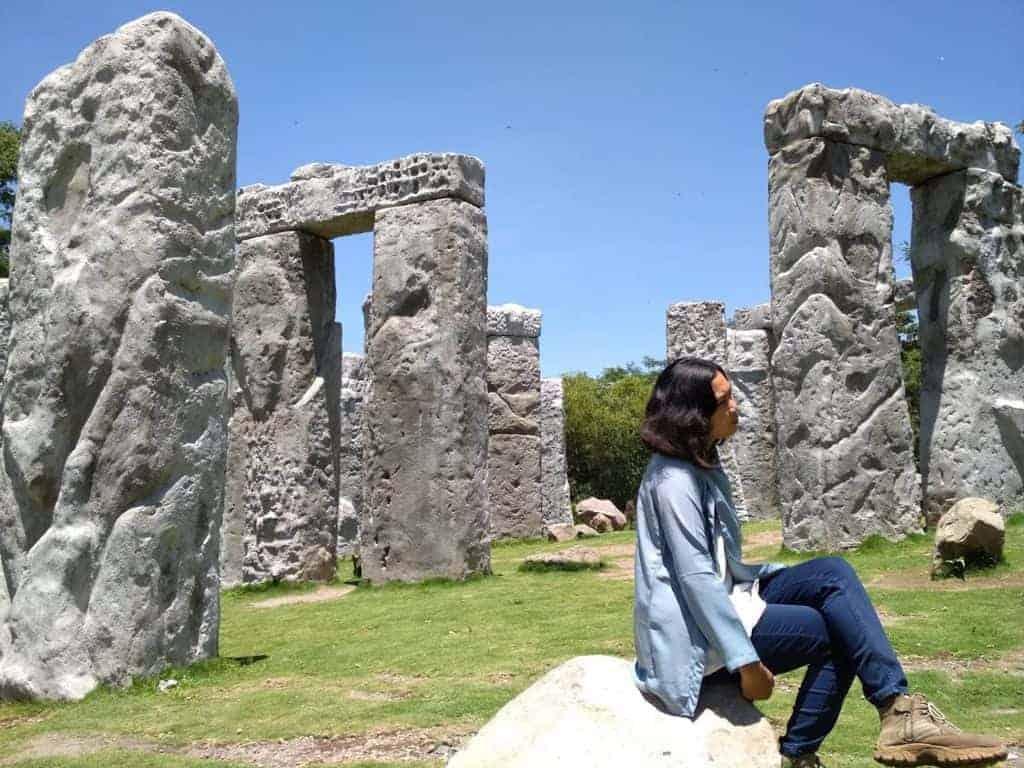 tempat wisata di jogja Stonehenge Cangkringan 1 36 Tempat Wisata di Jogja yang Kekinian dan Hits