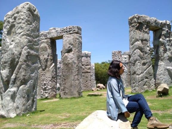 tempat wisata di jogja Stonehenge Cangkringan