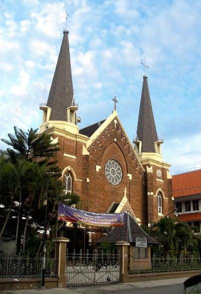 tempat wisata di surabaya Gereja Perawan Maria Tak Berdosa