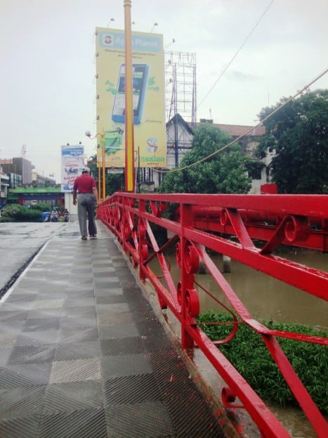 tempat wisata di surabaya Jembatan Merah surabaya