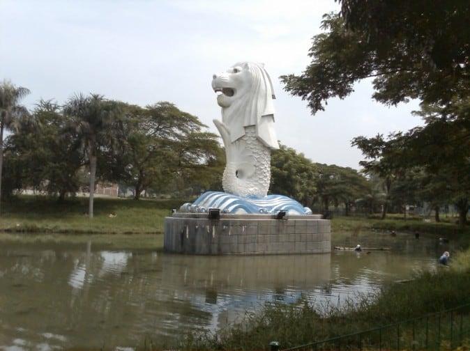 tempat wisata di surabaya Merlion Citra Raya Surabaya
