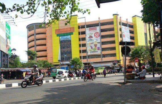 tempat wisata di surabaya Pasar Turi
