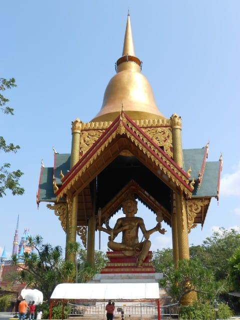 tempat wisata di surabaya Patung Budha Empat Wajah surabaya