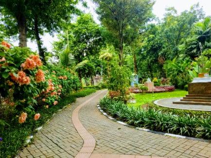 tempat wisata di surabaya Taman Prestasi Surabaya