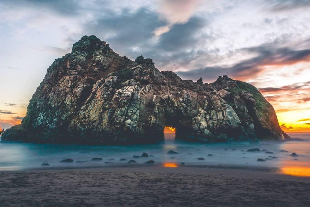 gambar pemandangan pantai dan laut 14
