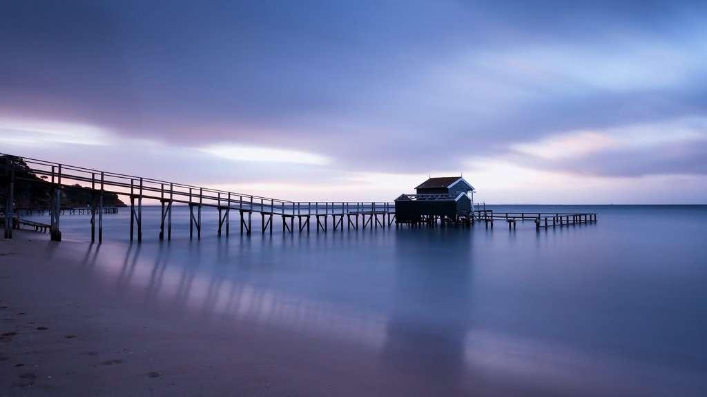 gambar pemandangan pantai dan laut 7